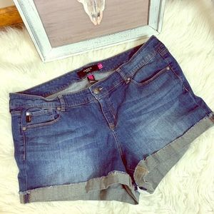 torrid | basic cuffed jean shorts